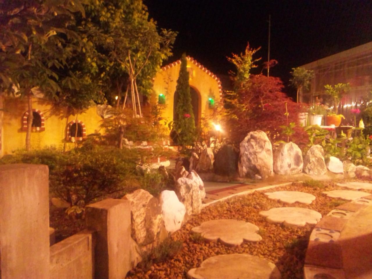 charm garden night